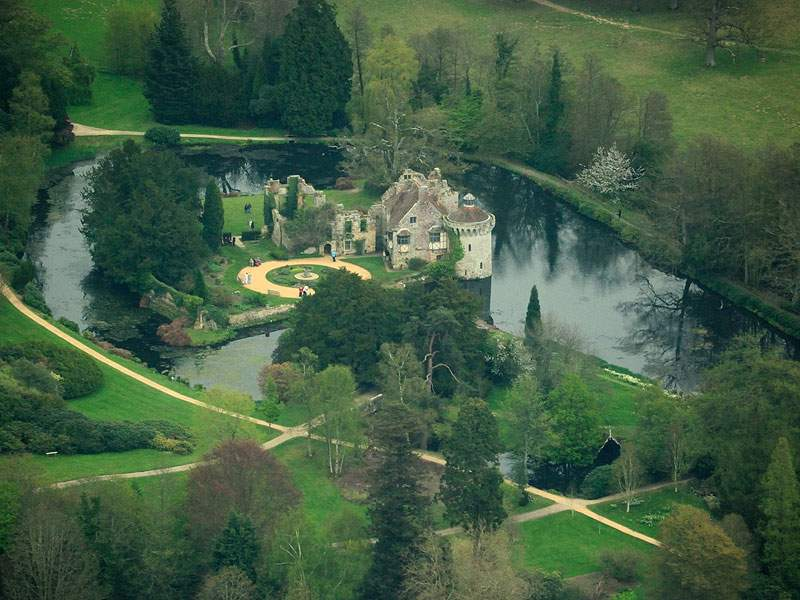 Scotney_Castle_aerial_view